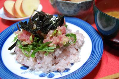 黒米入りのネギトロちらし寿司