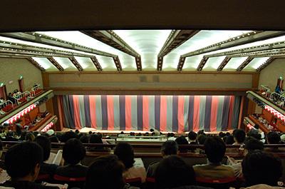 4階から見た歌舞伎座の舞台