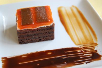 マーク・ロスコをイメージしたチョコレートケーキ