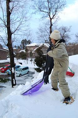 雪下ろしは危険