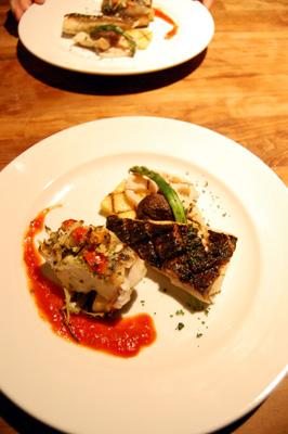 主菜は魚、二種盛り合わせ