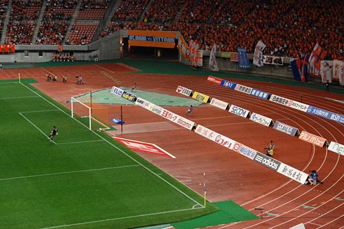GK小澤選手をサポートするゴール裏
