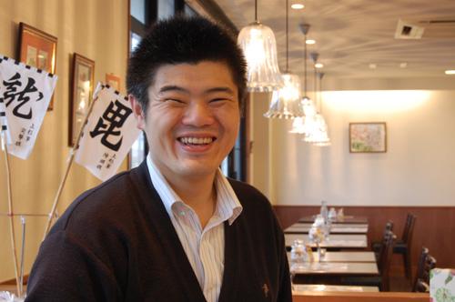 営業部長のナカシマさん