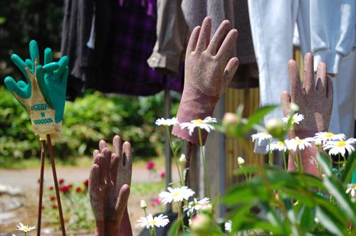 ゴム手袋や軍手の花