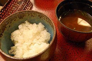 ご飯に、蜆と分葱のお味噌汁